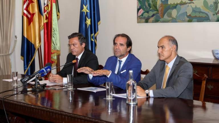 Solução para as viagens dos estudantes vai custar até 250 mil euros à Região