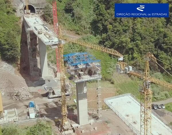 """Empreitada de Construção da """"Via Expresso Ribeira de São Jorge / Arco de São Jorge - 2.ª Fase"""" …evolução dos trabalhos - Mar/2021"""
