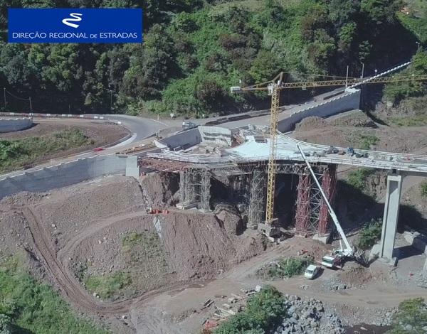 """Empreitada de Construção da """"Via Expresso Ribeira de São Jorge / Arco de São Jorge - 2.ª Fase"""" …evolução dos trabalhos - Abr/2021"""