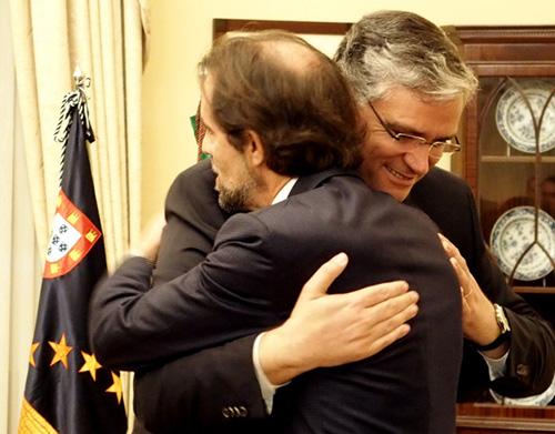 """Madeira e Açores são """"irmãos"""" que querem seguir """"caminho de parceria privilegiado"""", maximizando influências junto da República e da UE"""