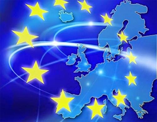 UE lança projeto-piloto de 50 milhões de euros para desenvolver competências e educação na Europa