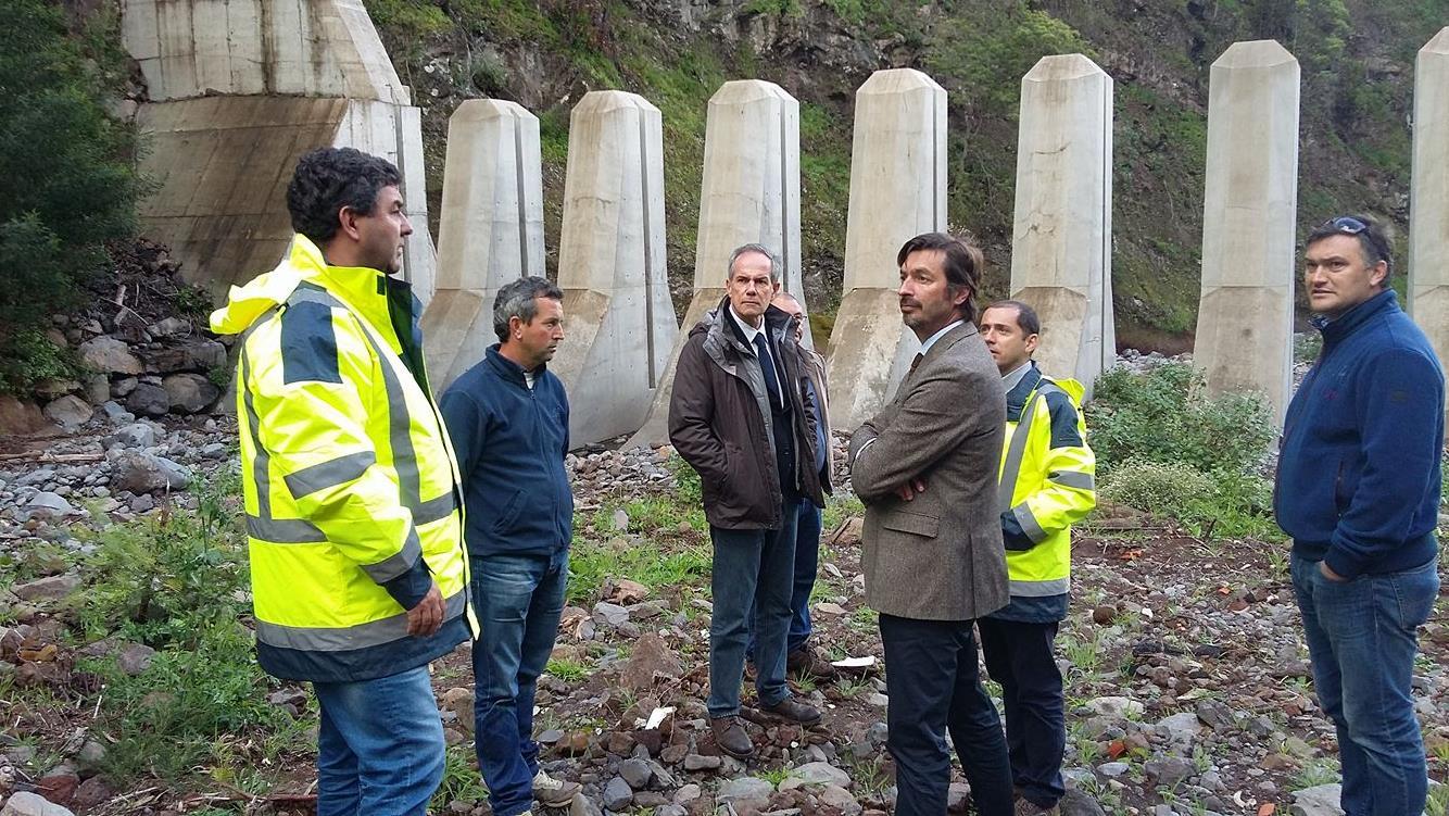 SRAPE Visitou trabalhos de limpeza e equilíbrio fluvial nas ribeiras de São João e João Gomes.