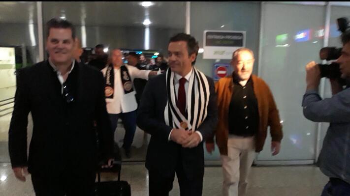 Governo Regional felicita CD Nacional no aeroporto pelo regresso à I Liga