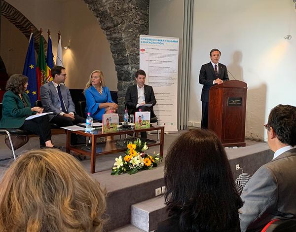 Governo Regional mantém estratégia de reduzir impostos diretos
