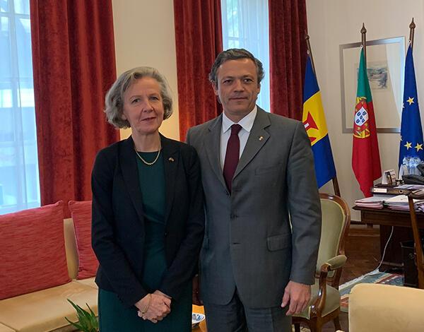 Vice-presidente recebe embaixadora da Suécia em Portugal