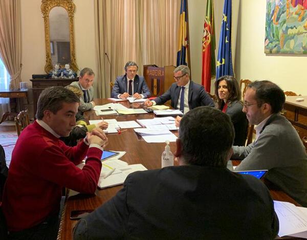 Governo Regional reúne-se com empresas da área da contabilidade