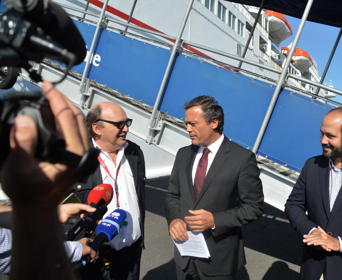 Governo Regional quer ferry todo o ano