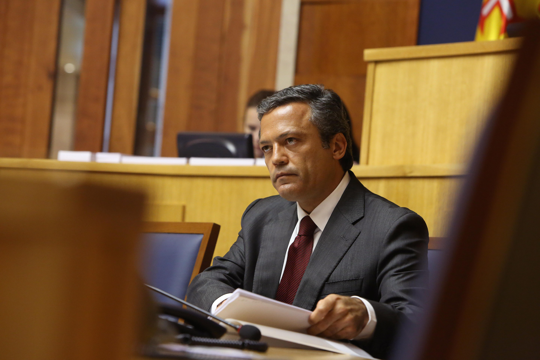 Governo não abdicará da defesa dos funcionários públicos