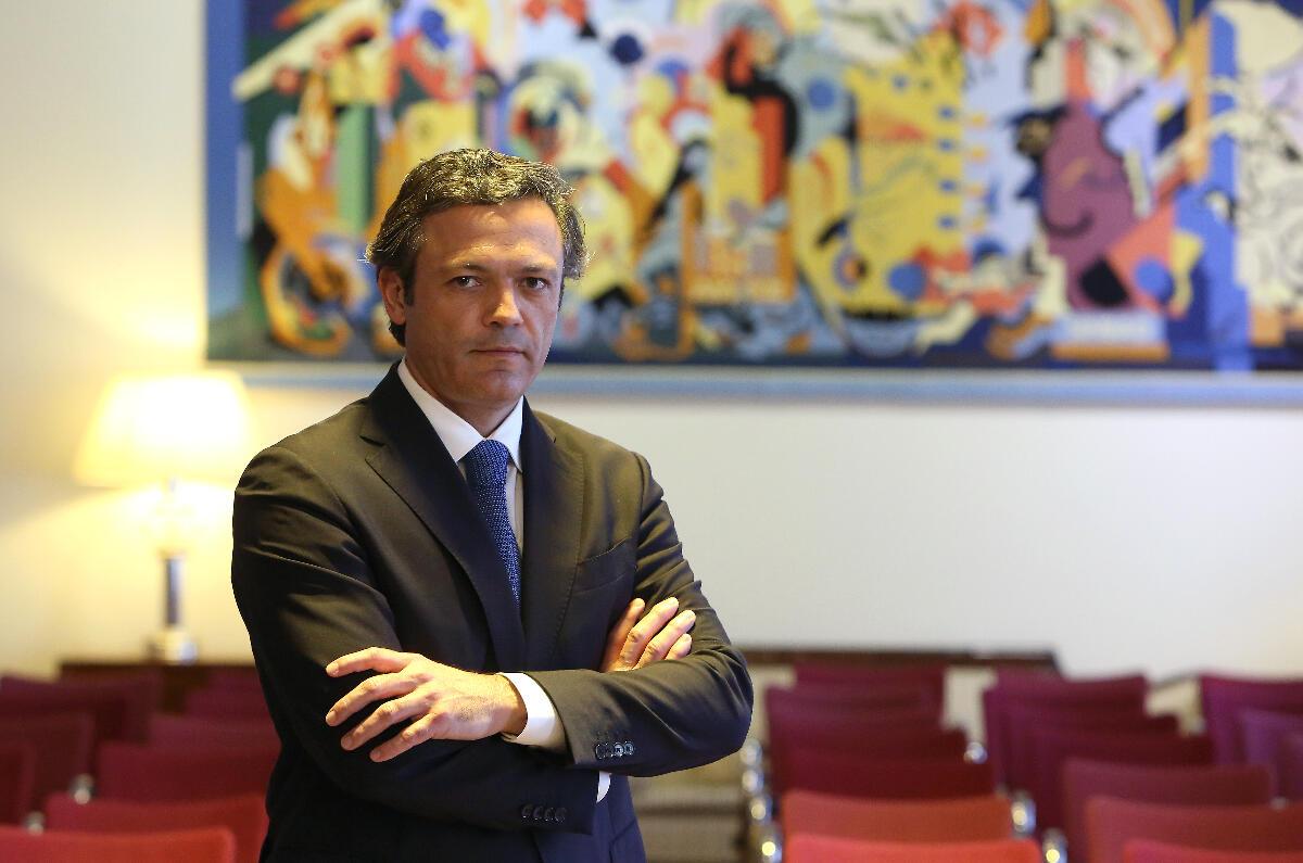Esclarecimento sobre o contrato de renegociação da dívida da Região Autónoma da Madeira