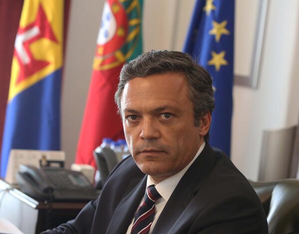 Governo Regional adjudica empréstimo de 458 milhões