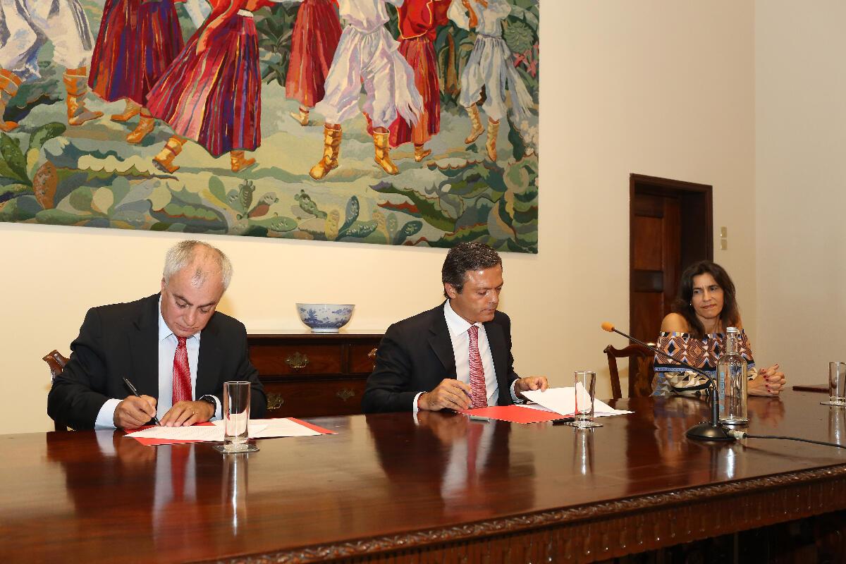 Governo quer atrair investimento dos países lusófonos