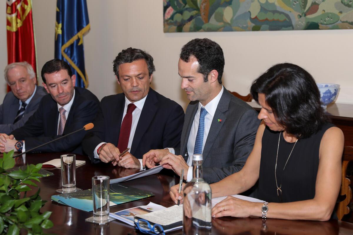 Governo pede atenção da TAP nas tarifas para a Região