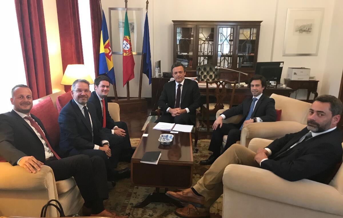Vice-Presidente reúne com um dos maiores armadores do Mundo