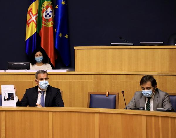 Secretário Regional no Parlamento