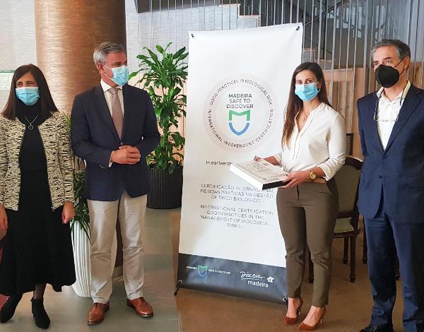 """Secretário Regional entrega mais duas certificações """"Madeira Safe to Discover"""""""
