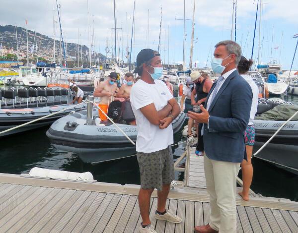 Eduardo Jesus visita empresa 'Rota dos Cetáceos'
