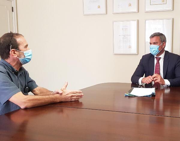 """Eduardo Jesus assina protocolo com Associação """"Xarabanda"""""""