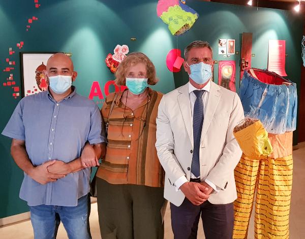 """Eduardo Jesus visitou exposição coletiva """"Aqea"""""""