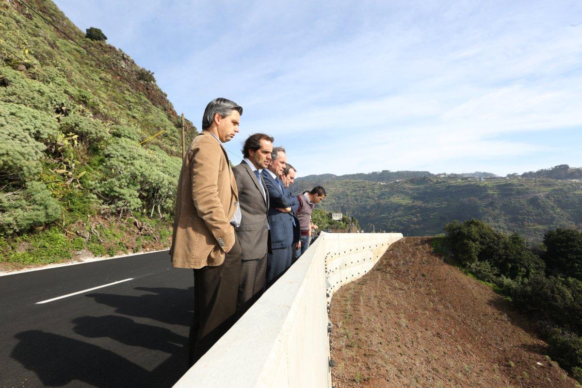 Governo recupera estradas regionais