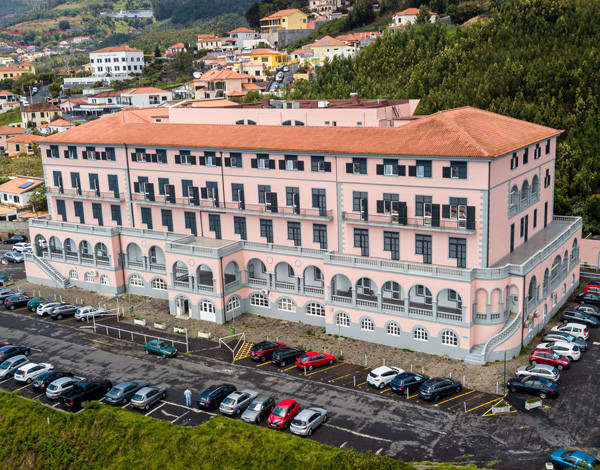 Reabilitação de interiores do Hospital dos Marmeleiros avança em julho