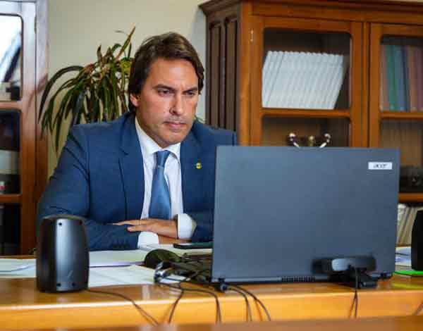 Pedro Fino ressalva que é necessário manter a transparência dos contratos públicos