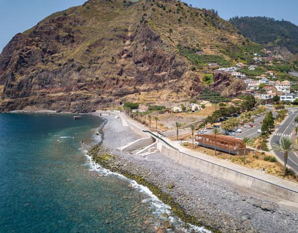 Requalificação devolve uma zona balnear ímpar da Madalena no Mar à população