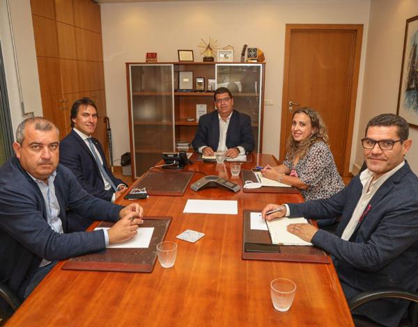 Pedro Fino reuniu-se com novo autarca do Porto Santo um dia após a tomada de posse