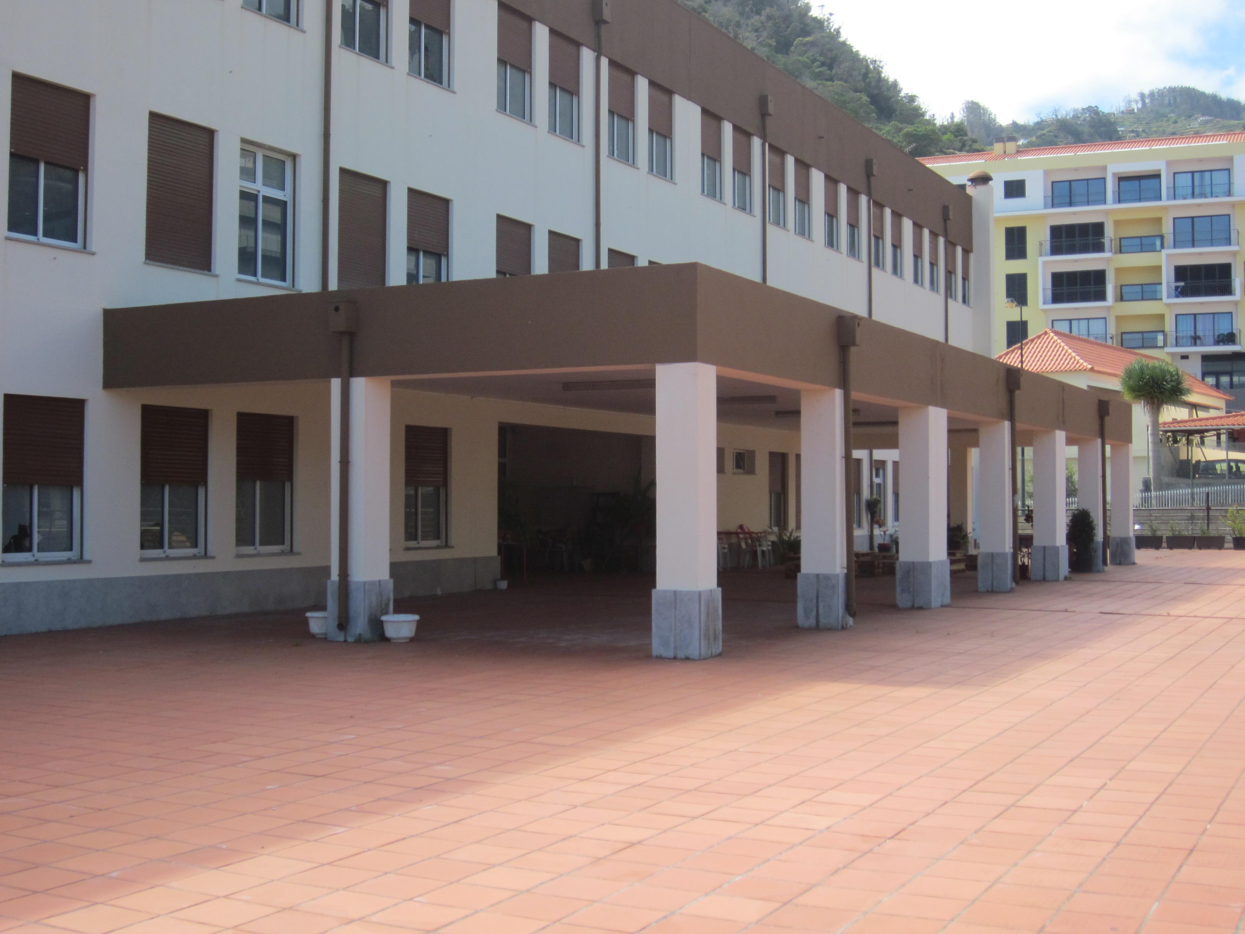 Sala de sessões construída na escola de Santa Cruz