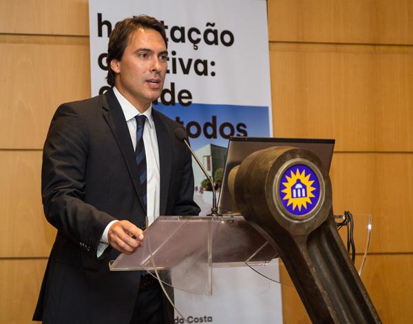 """Pedro Fino salienta que """"a habitação, foi, é e continuará a ser uma prioridade apontada à satisfação de um direito fundamental"""" do GR"""