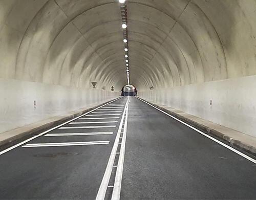 Governo investe mais de meio milhão de euros em luminária LED