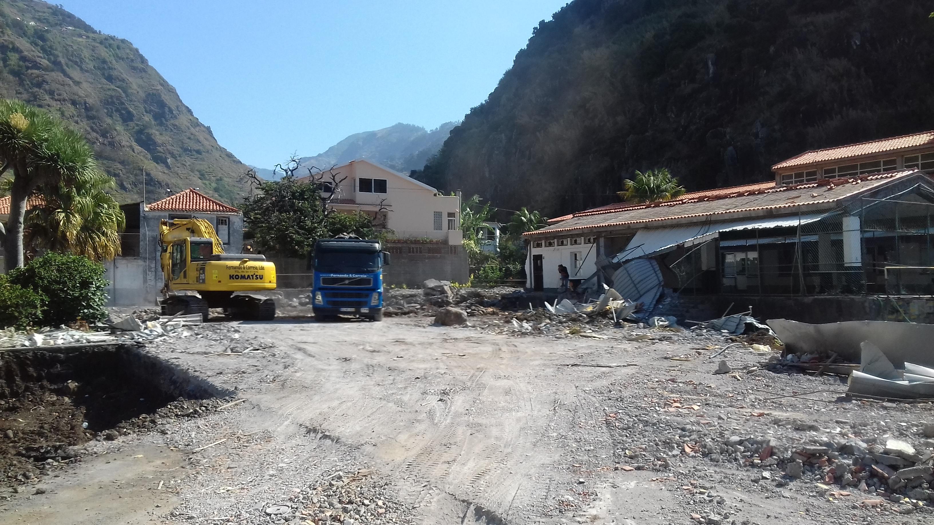 Obras decorrem a bom ritmo na futura escola da Ribeira Brava