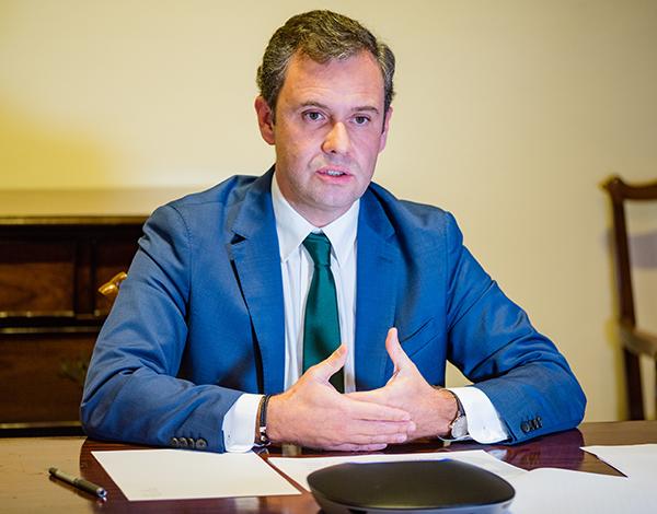 Secretário da Economia anuncia linha de crédito de 100 milhões de euros para apoiar empresas