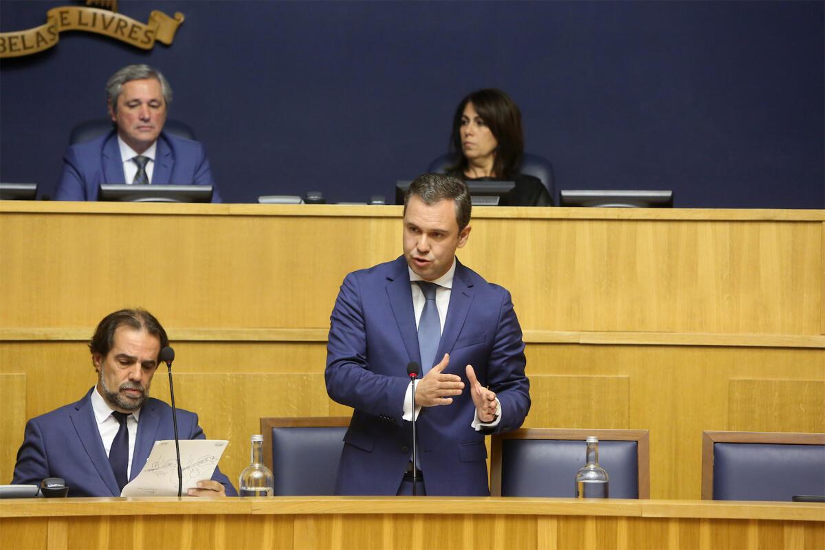 Governo Regional tem intenção de adaptar lei nacional à Madeira para proteger táxis