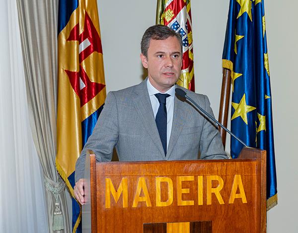 Governo Regional vai adaptar programa 'Apoiar.pt'