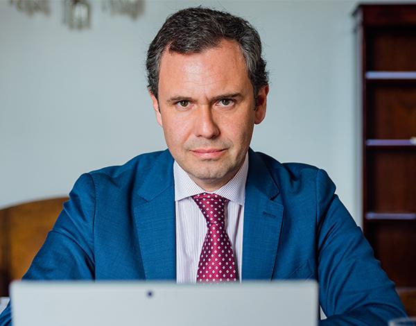 Secretário da Economia participou em conferência online promovida pela Abreu Advogados
