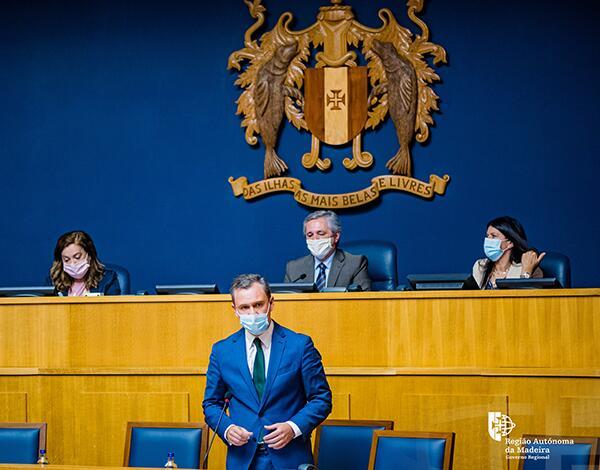 Parlamento discutiu adaptação da lei que regula atividade das plataformas TVDE