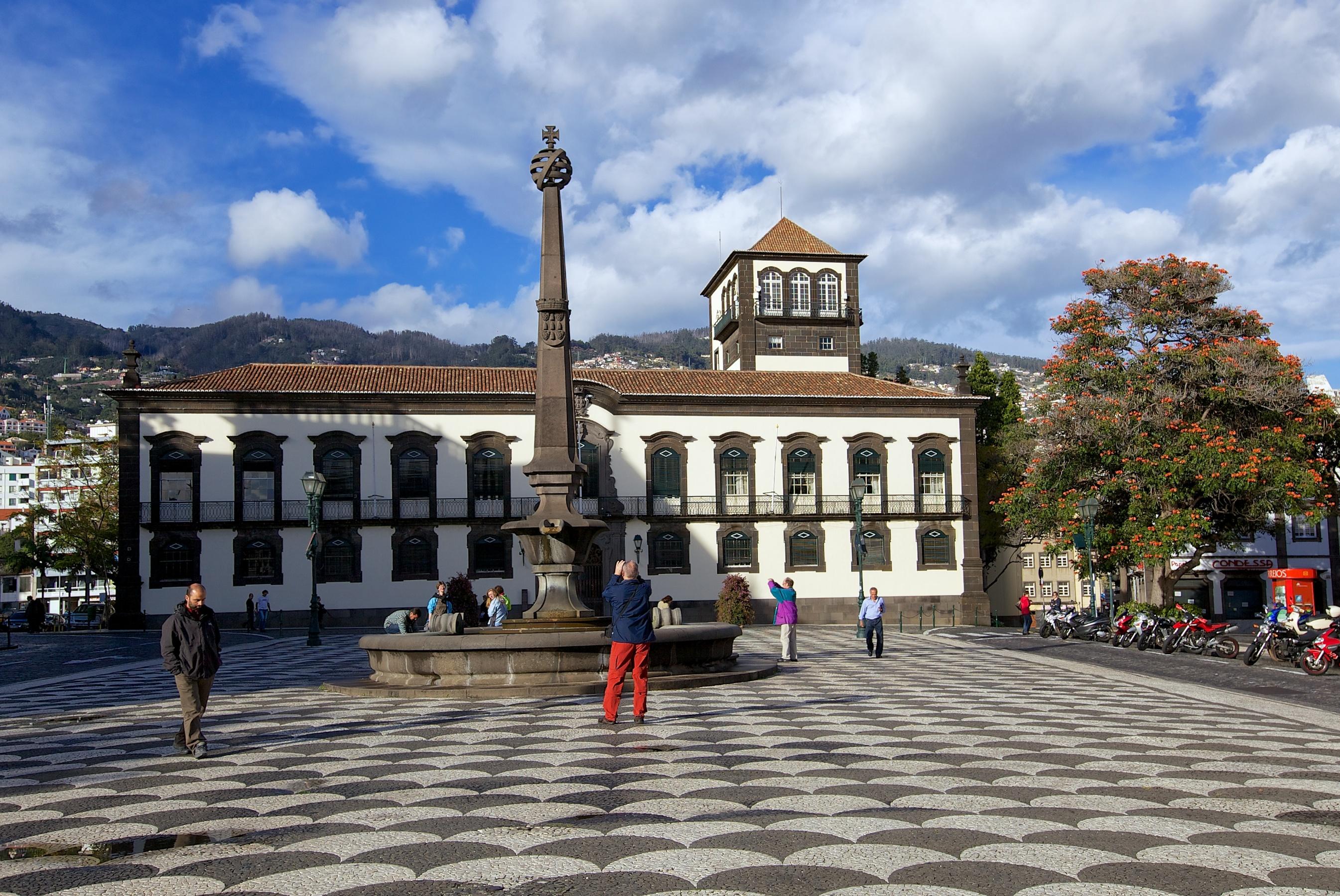 Câmara do Funchal recebeu 5,9 milhões de euros do Governo Regional de contratos-programa entre 2012 e 2016
