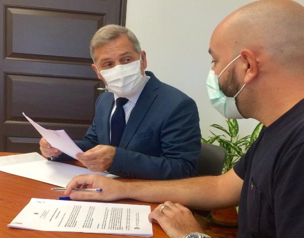 Secretário regional de Mar e Pescas assina contratos de 11 assistentes operacionais