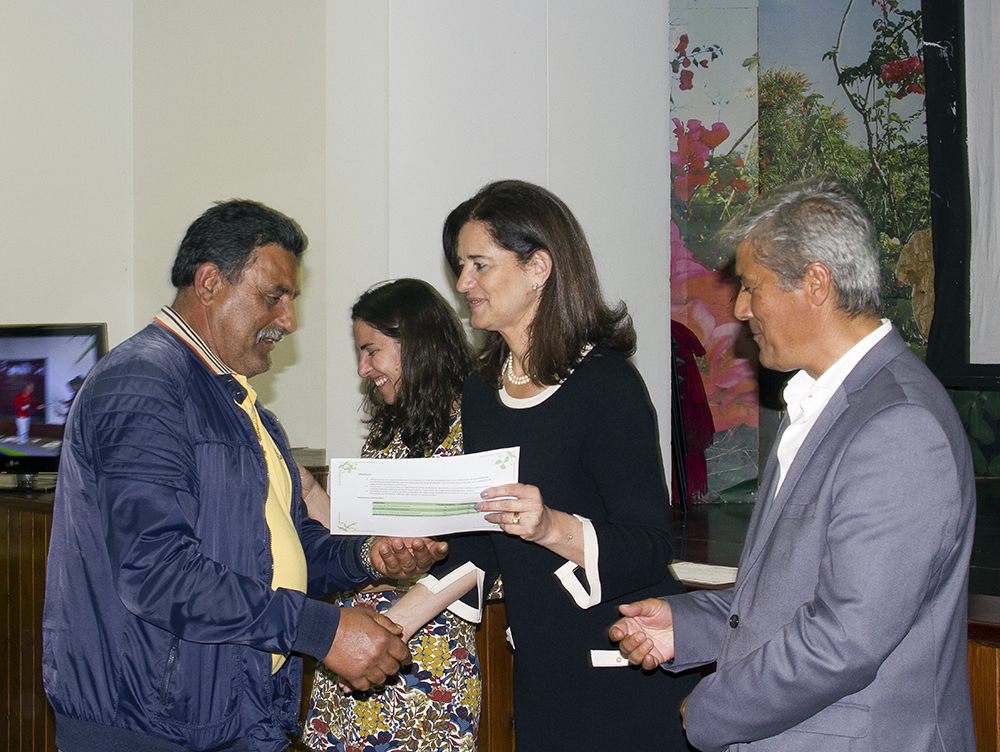 SRIAS entrega certificados a 40 pescadores