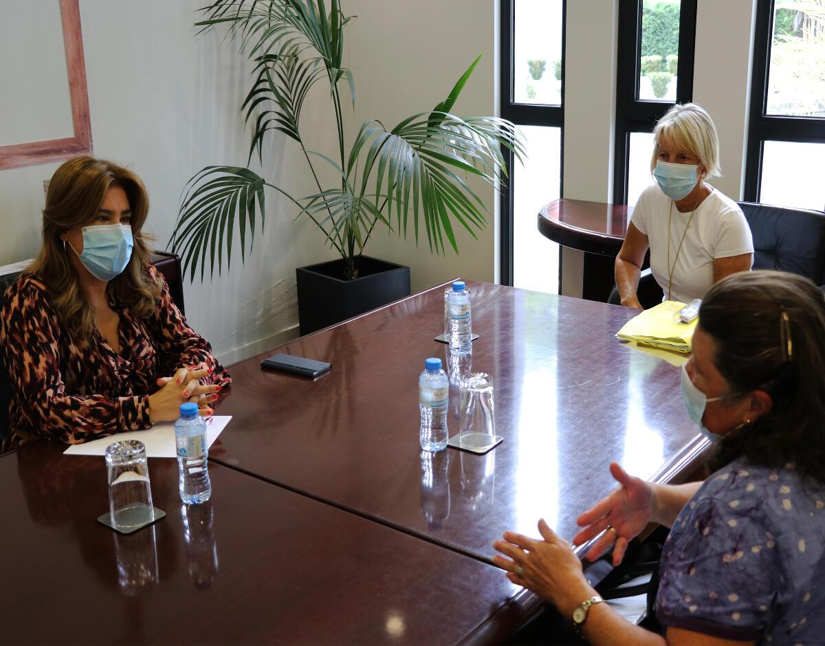 Augusta Aguiar reúne-se com Associação Presença Feminina