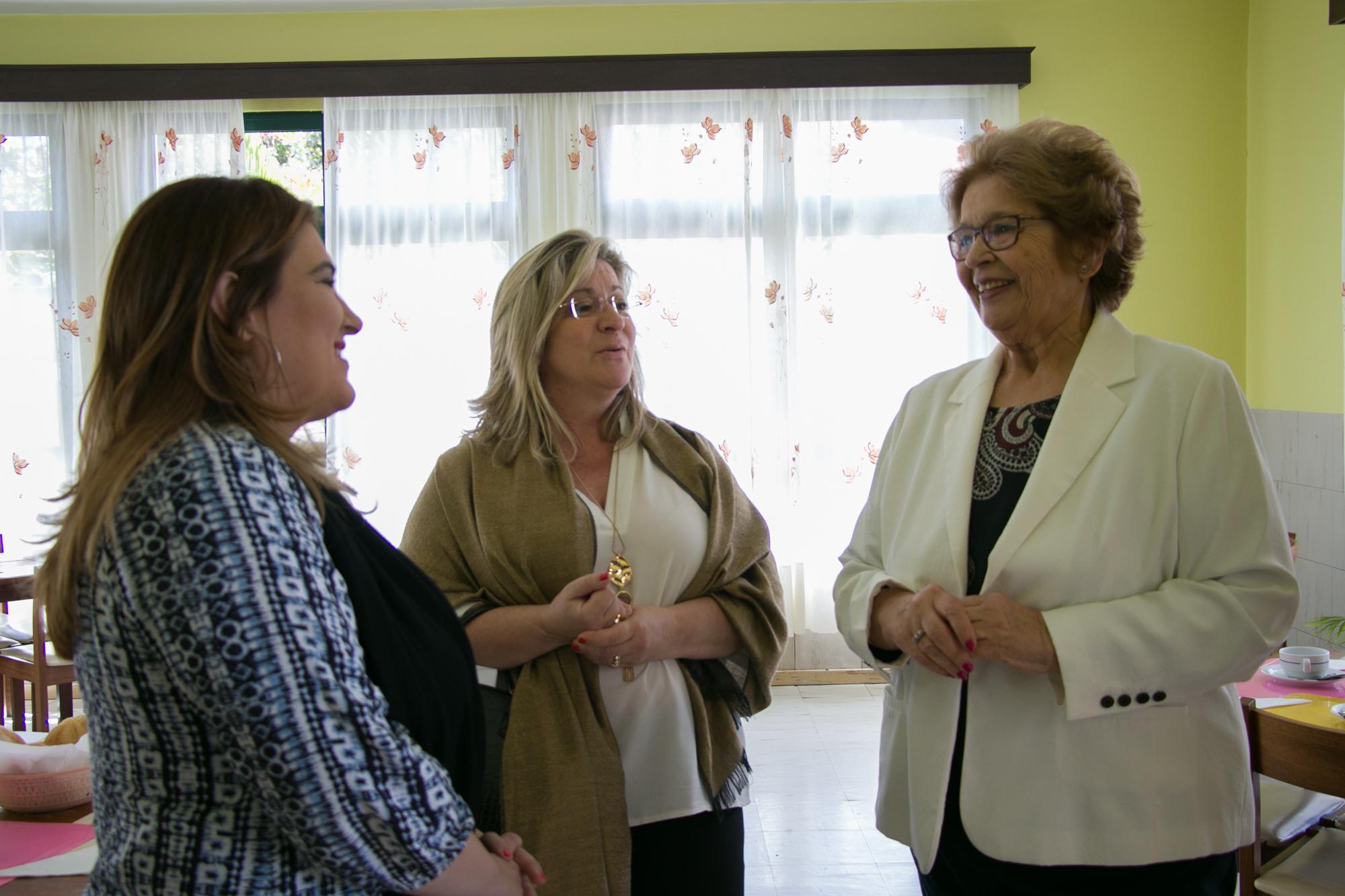 Governo Regional entrega viatura de 9 lugares ao Centro Social e Paroquial de Santo António