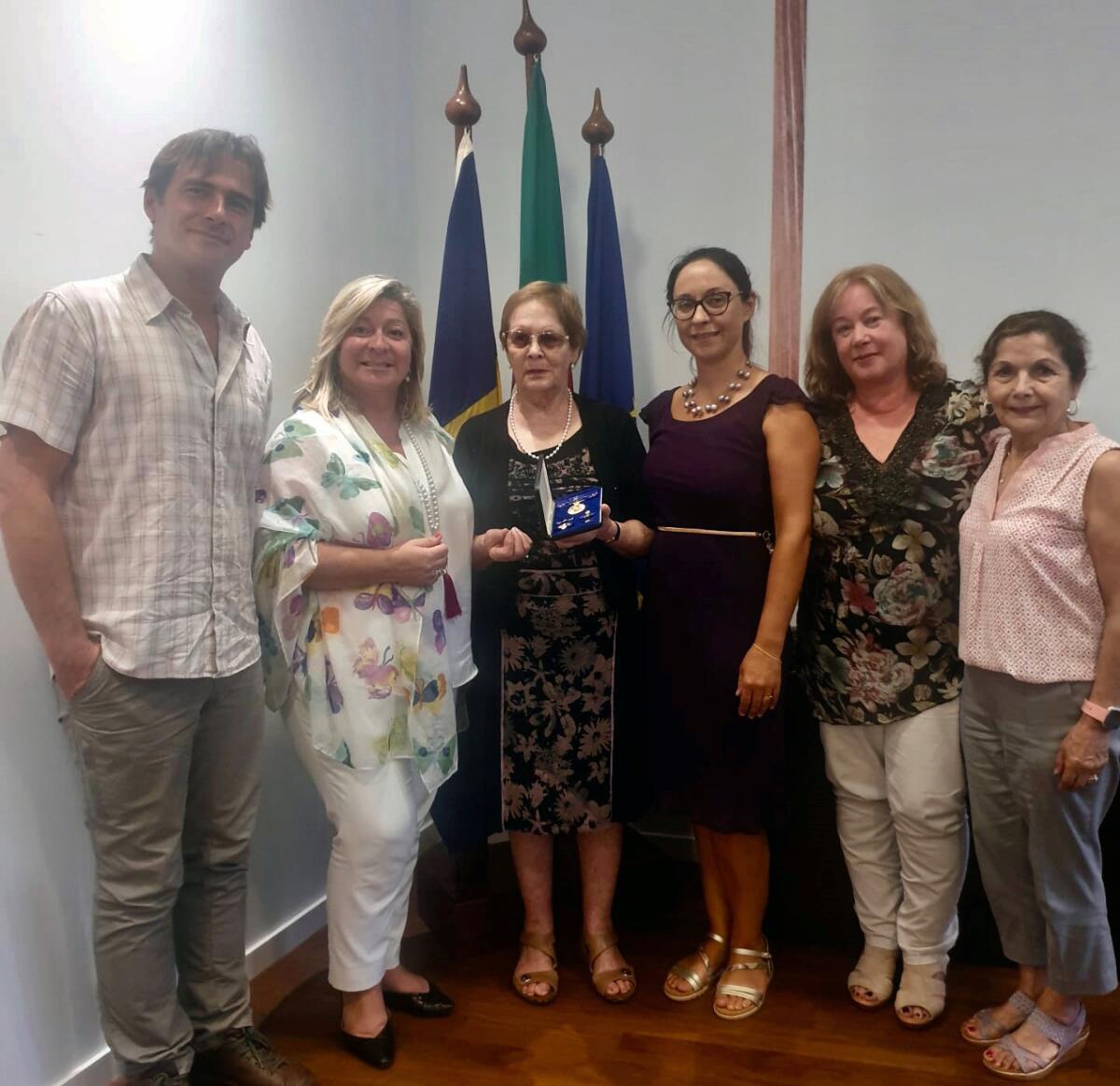Rita Andrade recebe madeirense condecorada pelo Governo Australiano