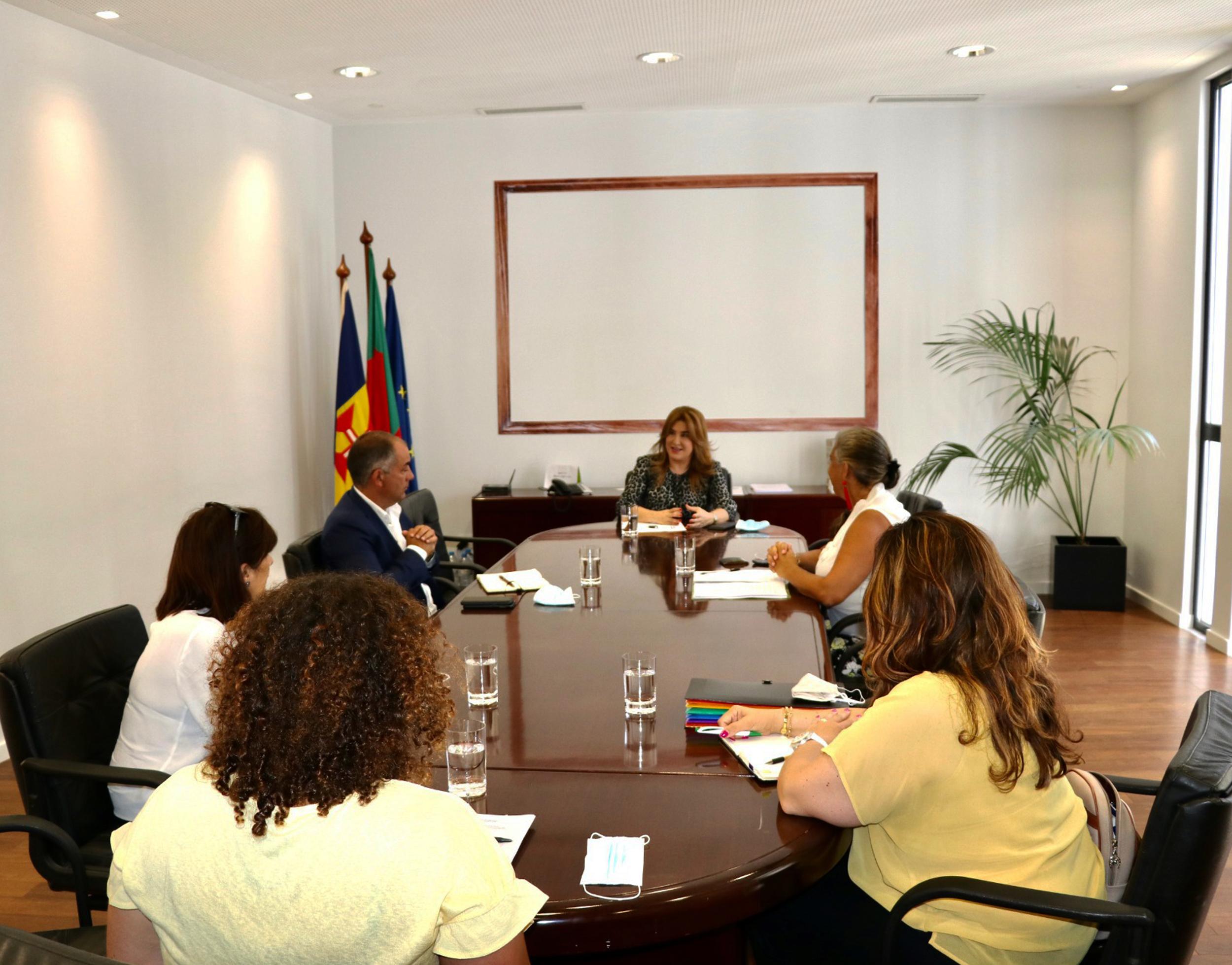 Augusta Aguiar marca presença na primeira reunião da Comissão de Acompanhamento ao Cuidador Informal