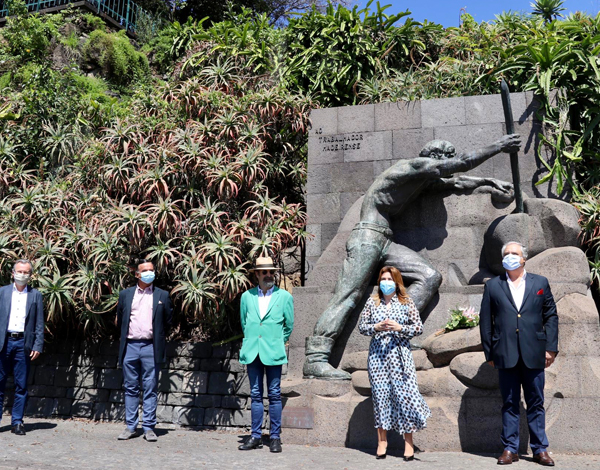 Governo Regional assinala Dia do Trabalhador com deposição de flores junto ao Monumento ao Trabalhador Madeirense