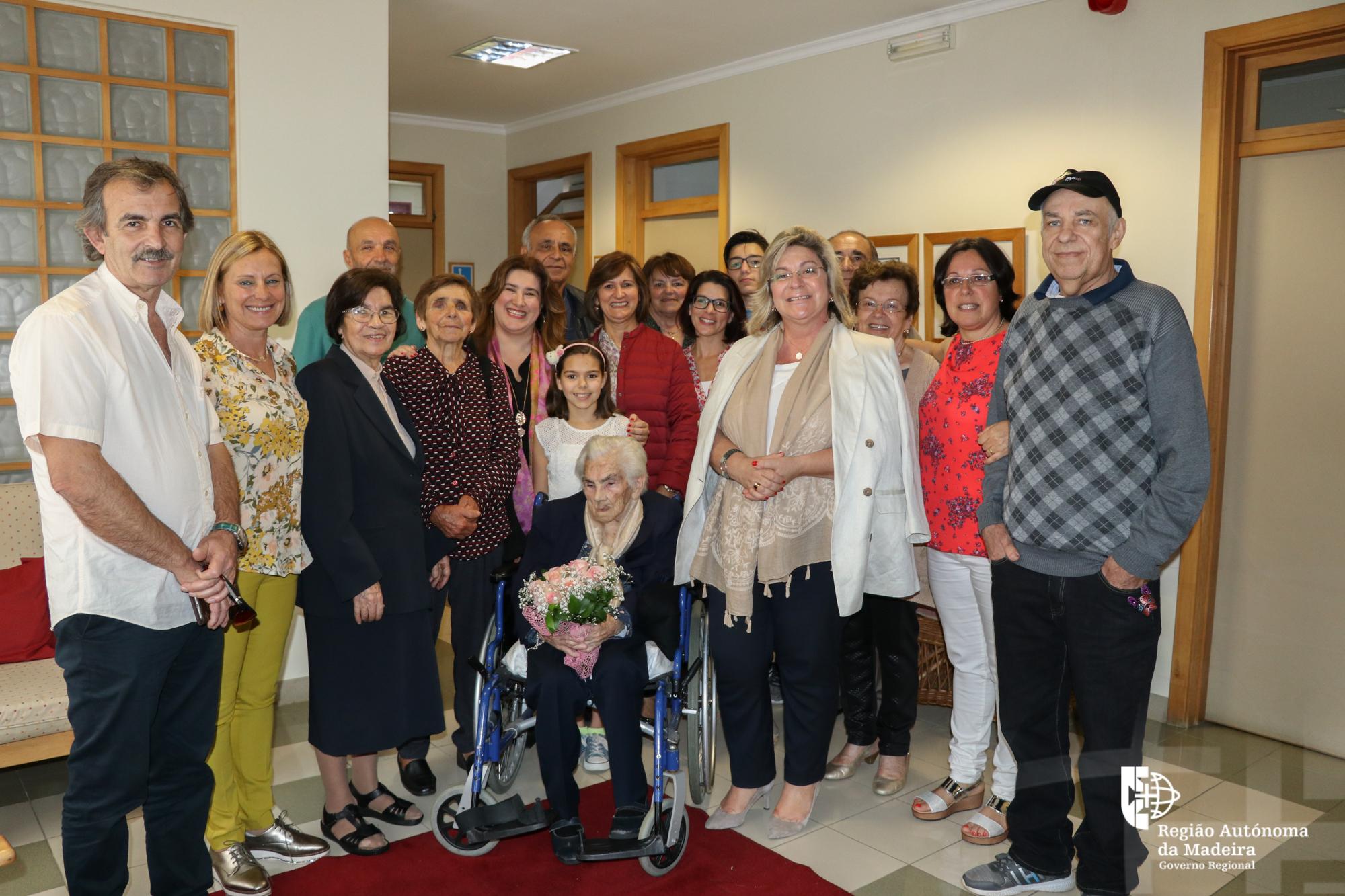 Segurança Social comemora o 105º aniversário da utente Sra. D. Georgina Jardim de Jesus