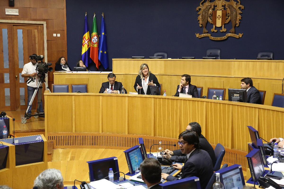 """Este governo promete e cumpre"", afirma Rita Andrade"