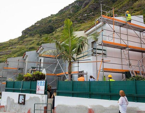 Governo Regional está a reabilitar 16 moradias da IHM no Porto Moniz