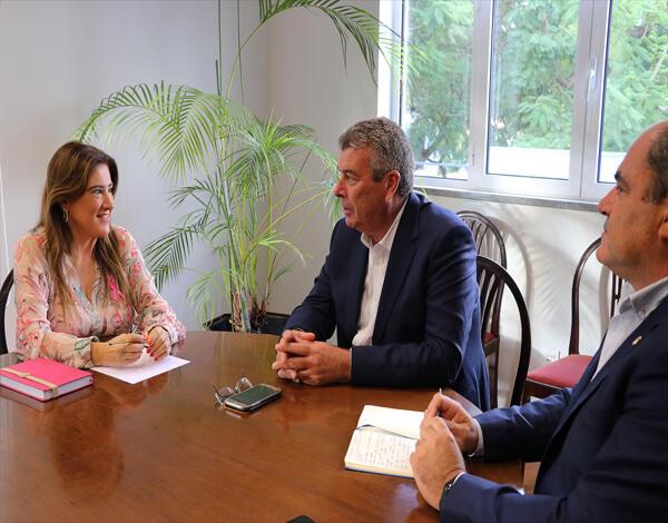 Secretária Regional de Inclusão Social e Cidadania reúne com Presidente da Câmara Municipal de Porto Santo