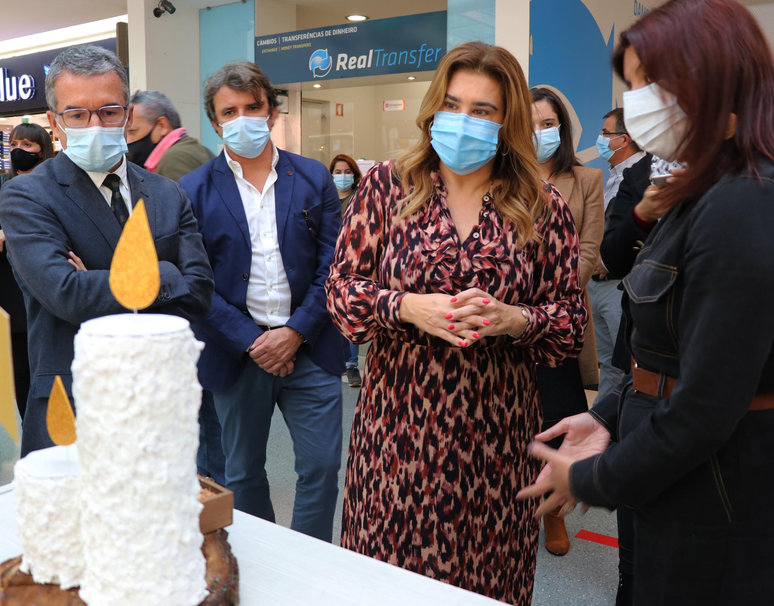 """Augusta Aguiar inaugura Exposição Solidária - """"Estar perto na distância"""""""
