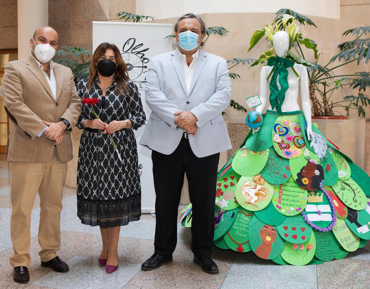 Augusta Aguiar inaugura instalação artística da Associação Olho.te no Edifício do Campo da Barca